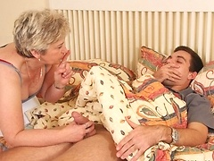 He gets so turned on by his mature mother in law that he has to fuck her naughty pussy