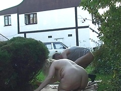 A good outdoor fuck featuring a chubby mature babe and her son in law doing it