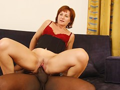 Redheaded housewife gets pounded in the puss!