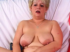 This chubbu mature slut loves cock and toys