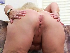 This big blonde mature slut loves pleasing herself